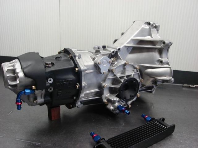 Porsche 944-turbo versnellingsbak - getriebe - gearbox - 016 311 220 L - 016311220L - 016311220l -