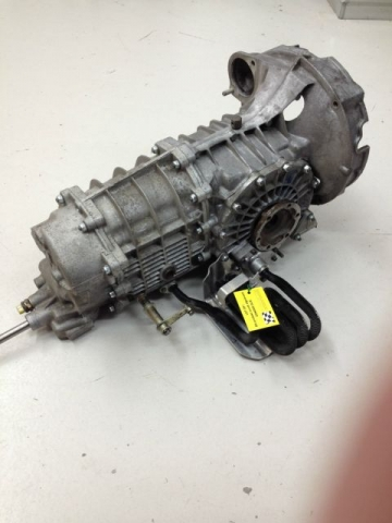 Porsche 915 carrera gearbox with oil cooling - 930 transmission parts