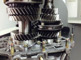 Porsche 915 versnellingsbak - transmission - boite - 930 turbo versnellingsbak - tandwielen 930 - tandwielen 915